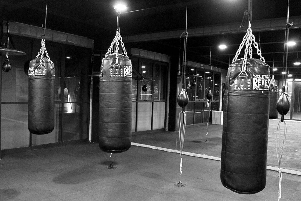 Bolsas para entrenar en la escuela de Box Las Arboledas